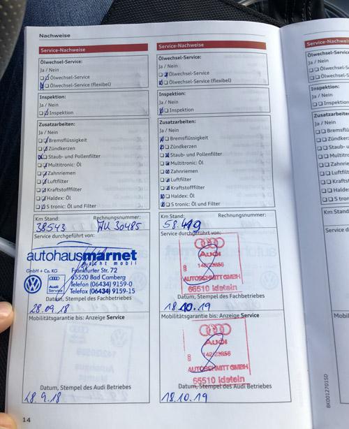 Un carnet d'entretien d'une voiture allemande importée en